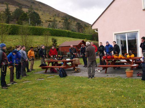 Alpine skills group briefing